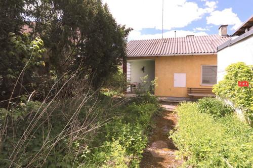 Grundstück mit kleinem Haus in Grafenberg