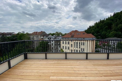 Penthouse Wohnung - 4 Zimmer - mit Terrasse und TG - Platz - Zentrum