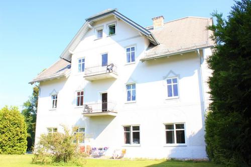 Top 8 Sanierungsbedürftiger Wohntraum in herrlicher Lage