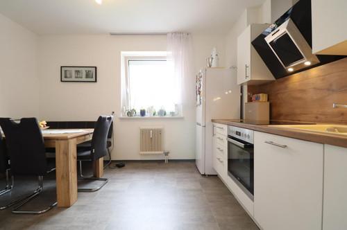 Helle 2-Zimmer-Wohnung mit moderner Küche