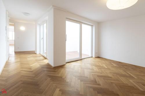 ONLINE-BESICHTIGUNG: Ausgefallene Altstadtwohnung mit Atrium, 2 Schlafzimmern, 2 Bäder