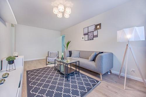 Lichterfüllte, elegante 3-Zimmer Erstbezugswohnung mit großzügiger Sonnenterrasse in urbaner, begrünter Ruhelage - direkt vom Bauträger