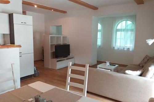 Enzückende Altbauwohnung im Stadtzentrum Enns, 2 Zi. 53 m², ruhige Lage mit besonderem Flair