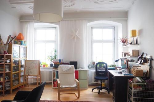 Altbauwohnung mit Flair in denkmalgeschütztem Haus, 110 m² WNFL, Küche möbliert! Nähe Promenade! Parkplatz optional! WG-geeignet!
