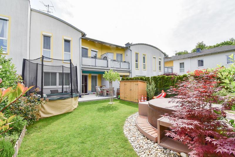 REIHENHAUS mit Garten, Keller und KFZ Stellplatz