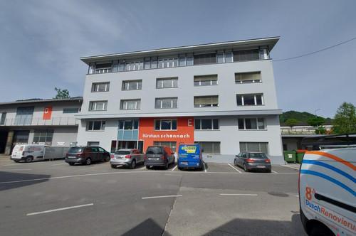 Bürogebäude mit Tiefgarage