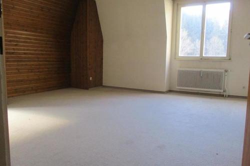 Renovierungsbedürftige 3-Zimmer-Wohnung in Thörl !