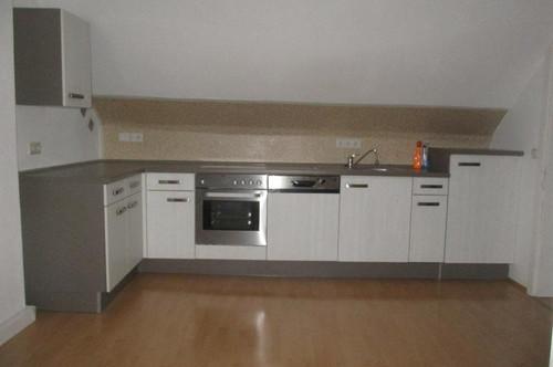 Zentrale 2-Zimmer-Dachgeschosswohnung mit Küchenblock in Gratkorn !