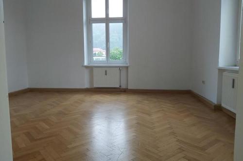 Zentrumsnahe 2-Zimmer-Wohnung in Altbau-Villa in Bruck/Mur !