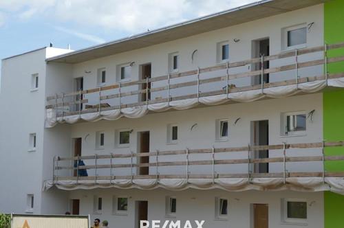 Moderne Wohnung mit großem Balkon
