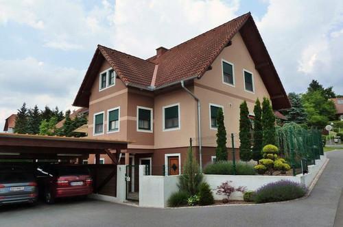 Neuwertiges Ziegelmassiv Wohnhaus
