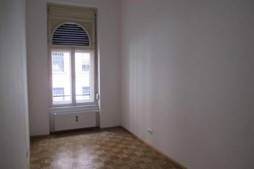 JAKOMINI: 3-Zimmer-Stadtwohnung - ideal für Familien oder Studenten! Auch WG geeignet!