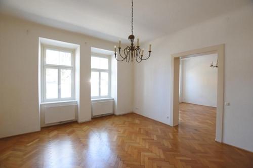 Zentral gelegene 3-Zimmer-Altbauwohnung!