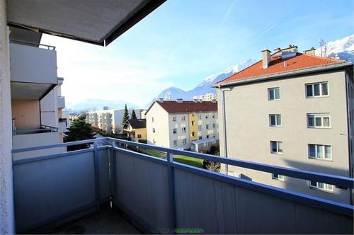 Innsbruck: Aufwändig renovierte Garconniere in Amras