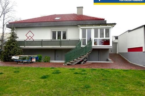 Wunderschönes, sehr gepflegtes Einfamilienhaus mit Garten und Wintergarten in ruhiger Lage am Park