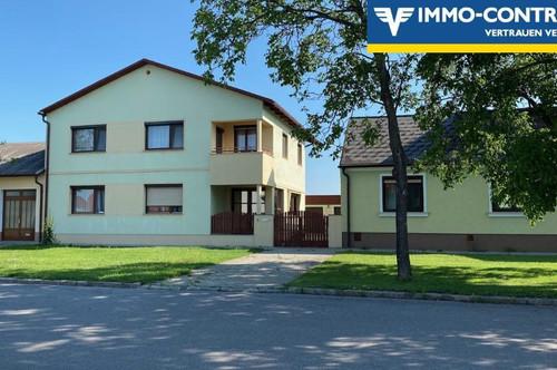 Großes Haus mit Nebengebäuden in TOLLER Lage in Parndorf. 1.OG 126m2 sofort bewohnbar, EG 130m2 sanierungsbed. od. separat vermietbar. Viel Potential!