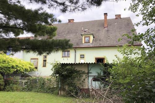 Zehnerviertel! Haus mit drei Wohneinheiten und schönem Garten
