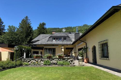 Architekten-Landhausvilla am Anfang des Heuberges der Festspielstadt Salzburg