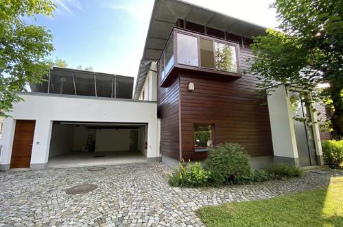 Bestlage in Aigen: Großzügige Designervilla mit Pool und viel Charme