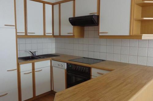 WG-freundliche 3 Zimmer + Wohnküche mit viel Tageslicht - Obj.Nr.1705BM30
