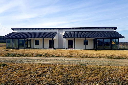 Modernes, neuwertiges Doppelhaus