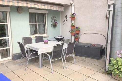 Maisonette mit 20m² Terrasse und Tiefgaragenplatz.
