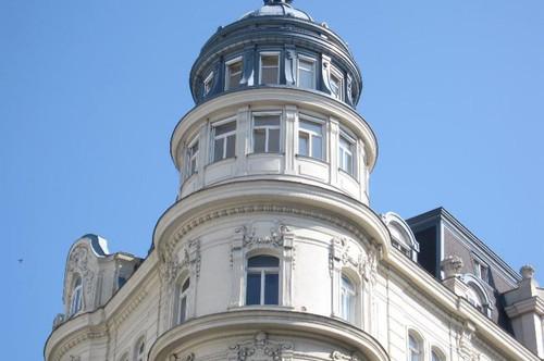 Dachgeschosswohnung mit beeindruckenden Panoramazimmern - Herrschaftliches Altbauhaus in Toplage