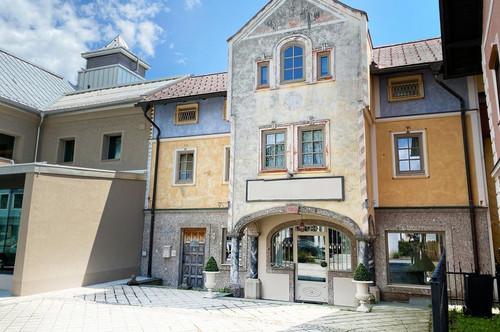 Niedliche Stadtvilla mit traumhafter Ruheoase im Herzen des Salzburger Seenlandes