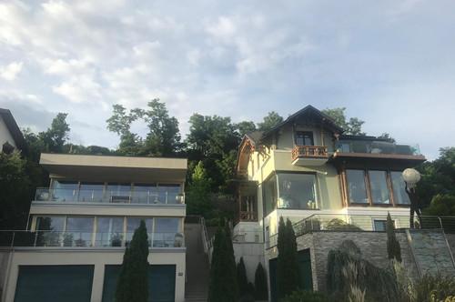 Außergewöhnliche Villa mit Appartementhaus