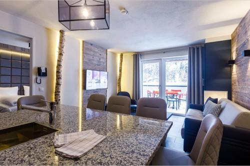 Suite mit alpinen Flair! Gemütliche Wohnung mit ca. 53 m² Wfl., 1 SZ, in sonniger Lage in Saalbach!