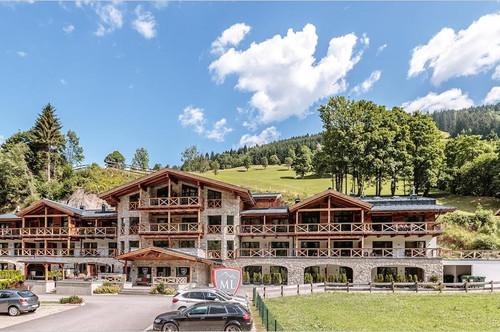 Gemütl. Penthouse-Wohnung, 99 m² Wfl., 3 Sz, mit Ausblick auf die umliegende Bergwelt von Saalbach!