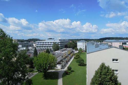 Besichtigen Sie virtuell! Renovierte 2 Zimmer Wohnung mit Loggia und Garage - Josefstraße - ruhig gelegen!