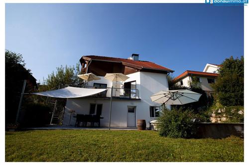 2656 Neuhaus einzigartiges Traumhaus mit Pool und Blick auf Burg Neuhaus