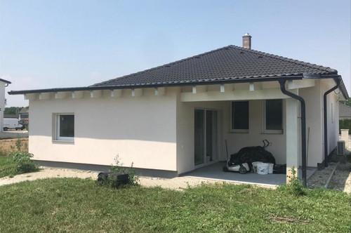 Gemütliches Einfamilienhaus mit großem Garten in ruhiger Siedlungslage!