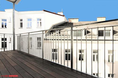 FAST 4. BEZ - BALKONTRAUM LETZTER LIFTSTOCK - 62 m² WFL + 9 m² SÜD-BALKON - HERRLICHES STILHAUS