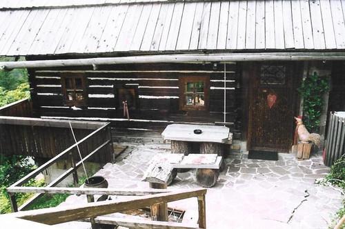ALLEINLAGE in den Gurktaler Alpen, kleines Bauernhaus