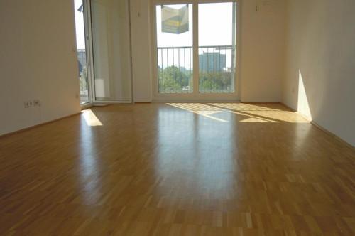 Großzügige 2-Zimmer-Wohnung mit Loggia - verfügbar ab 01. September 2020!