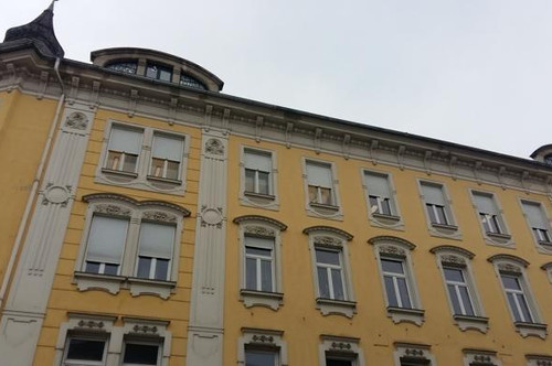 Dachgeschoß-Erstbezug-Büro am Heuplatz