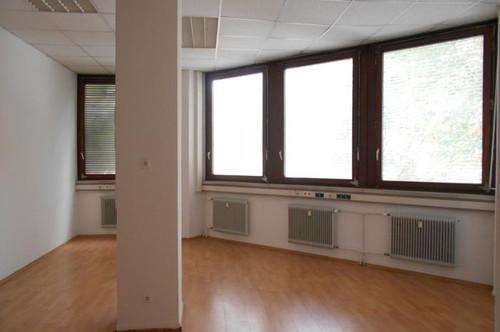 Liebenau Toplage nahe Stadthalle OFFICE TOWER  3Etagen 294m²-914m²  Stellplätze, provisionsfrei