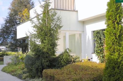 Möblierte 2-Zimmer-Terrassenwohnung mit Wintergarten und Tiefgarage