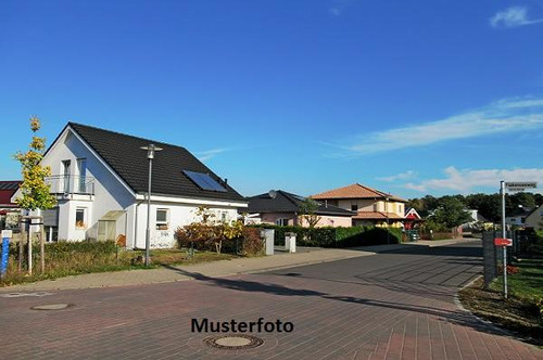 2-Familienhaus mit Tischlerei - Versteigerungsobjekt -