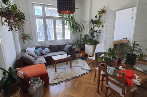 Großzügige Altbauwohnung mit 4 Zimmern im 8. Bezirk