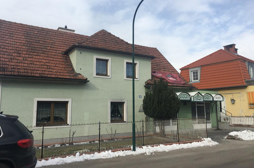 Einfamilienhaus in idyllischer Lage mit Pool und Gewerbebetrieb (ehem. Fleischerei)
