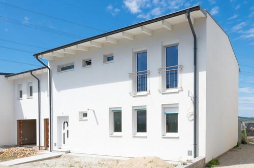Große Doppelhaushälfte in Gerasdorf. Neubau.