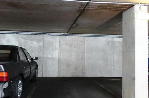 Nähe Cineplexx: Geräumige Tiefgaragenabstellplätze in Garage in WILTEN!
