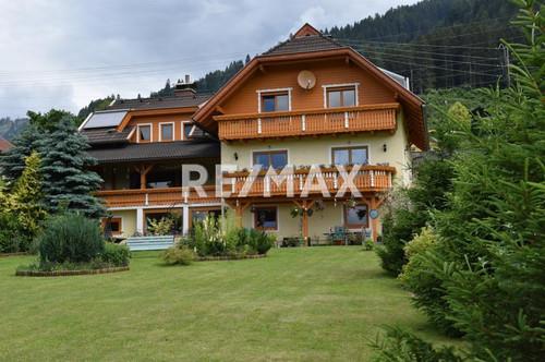 Charmante Landvilla mit See- und Bergblick