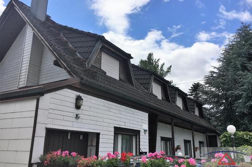 LEISTBAR! Perfektes Wohnhaus für zwei Familien!