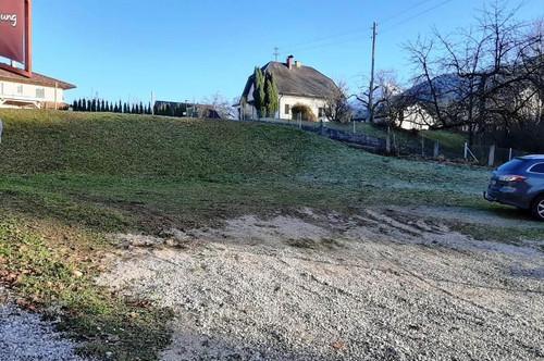 Sonniges Grundstück in leichter Hanglage in Finkenstein