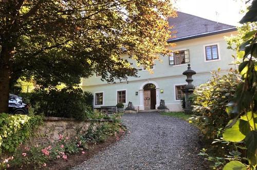 Historisches Jagdschloss mit Charme und Stil im Bezirk St. Veit