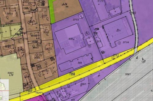 Grundstück beim Terminal, tw. mit Lagerhallen und Büros, tw. Industriewidmung